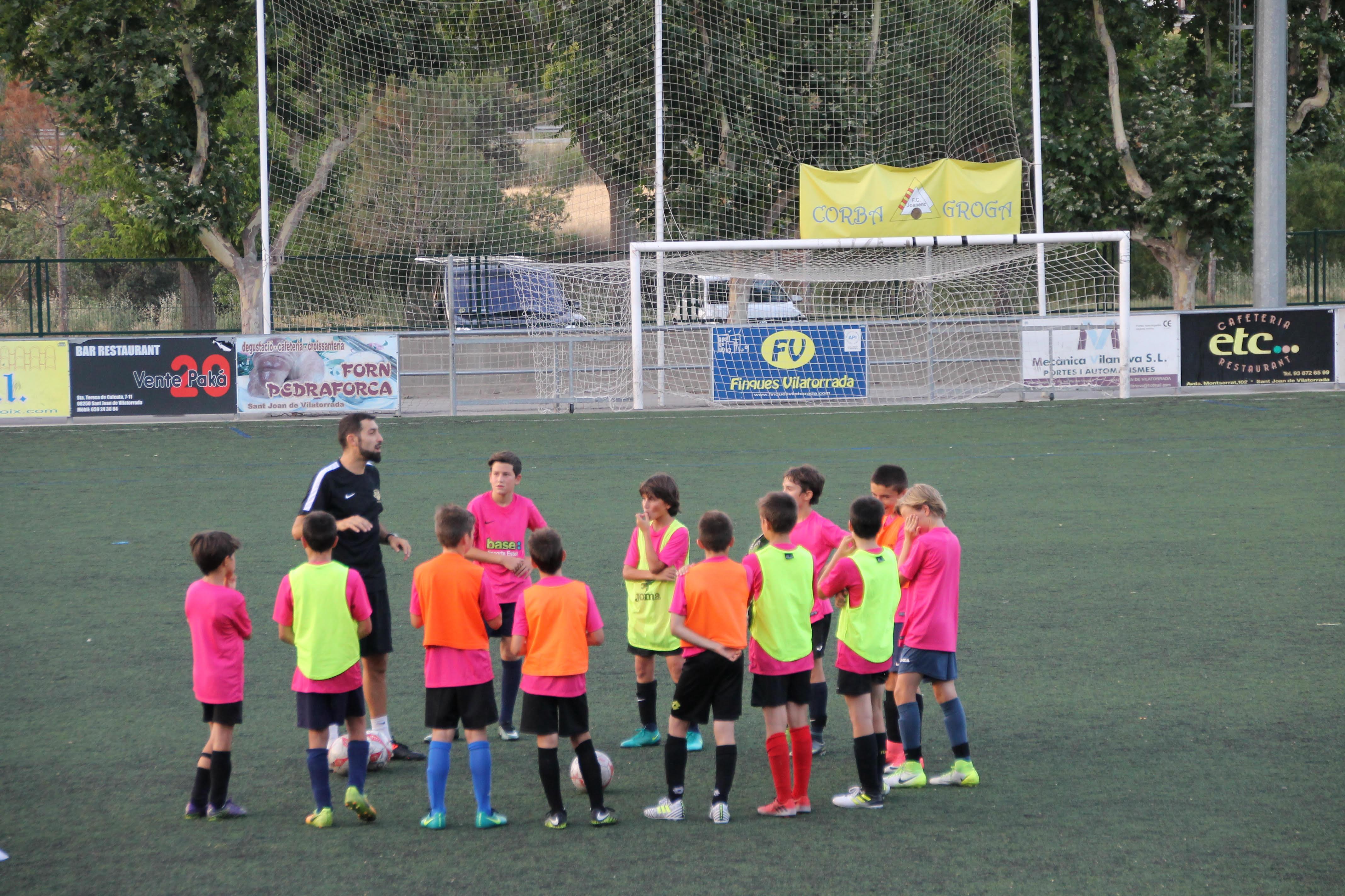 Jaume Quintana dirgint la sessió per a la Vildbjerg Cup